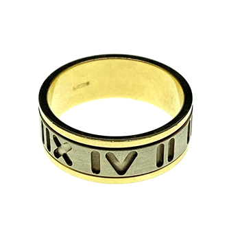 18ct Two Tone Roman Numeral Ring