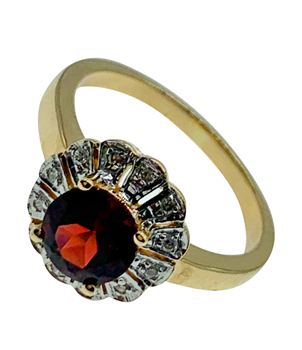 9ct Yellow Gold Diamond & Garnet Ring